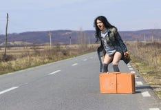 Gniewna dziewczyna Hitchhiking Obraz Stock