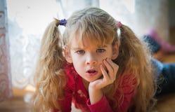 Gniewna mała dziewczynka obraz royalty free