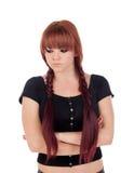 Gniewna nastoletnia dziewczyna ubierał w czerni z przebijaniem Obraz Stock