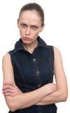 Gniewna obrażająca kobieta patrzeje kamerę fotografia stock
