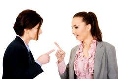 Gniewni businesswomans wskazuje na each inny Zdjęcie Royalty Free