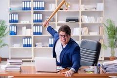 Gniewny agresywny biznesmen w biurze Obraz Stock