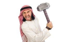 Gniewny arabski mężczyzna z młotem odizolowywającym na bielu Zdjęcia Royalty Free