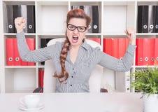 Gniewny biznesowej kobiety szefa krzyczeć Zdjęcie Stock