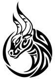 Gniewny byka tatuaż royalty ilustracja