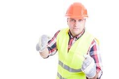 Gniewny konstruktor przygotowywa uderzać pięścią somebody Zdjęcie Stock