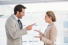Gniewny mężczyzna wskazuje przy jego kolegą Zdjęcie Stock