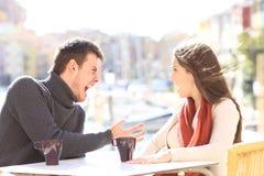 Gniewny pary argumentowanie, krzyczeć i obrazy royalty free