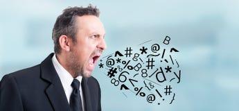 Gniewny podrażniony biznesmen krzyczący i krzyczy out głośnego Zdjęcia Stock