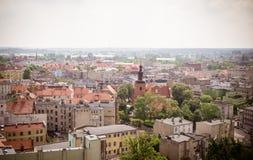 Gniezno, Pologne - vue pour le panorama de ville chez Gniezno Photographie stock libre de droits