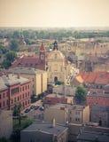 Gniezno, Pologne - vue pour le panorama de ville chez Gniezno Photos stock