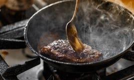 gnälla smaklig steak Royaltyfri Fotografi