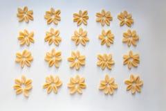 Gnocchetti makaronu abstrakcjonistyczny kwiecisty wzór fotografia stock