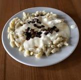 Gnocchi με το τυρί προβάτων και το τηγανισμένο μπέϊκον Στοκ Εικόνες