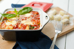 Gnocchi στη σάλτσα ντοματών Στοκ εικόνες με δικαίωμα ελεύθερης χρήσης