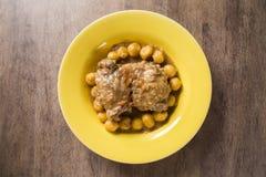 Gnocchi arrostiti con il pollo gourmet fotografia stock libera da diritti