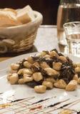 Gnocchi casalinghi con il ravanello a Venezia Fotografia Stock