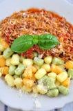 Gnocchi com molho bolonhês fotografia de stock
