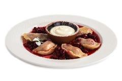 Gnocchi con cucina russa tradizionale della ciliegia Fotografie Stock Libere da Diritti