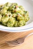 Gnocchi con el Pesto de Rucola Fotografía de archivo