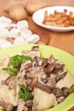 Gnocchi con i funghi selvaggi Fotografia Stock