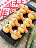 Gnocchi de la patata con los salmones Imagen de archivo libre de regalías