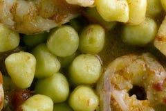 Gnocchi de pomme de terre avec les crevettes roses argentines Photos stock