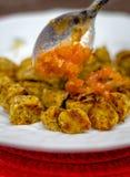 Gnocchi del plátano y salsa de tomate en el top Fotografía de archivo libre de regalías