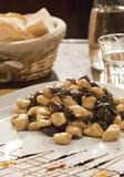 Gnocchi hecho en casa con el rábano en Venecia Fotografía de archivo