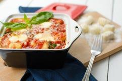 Gnocchi i tomatsås Royaltyfria Bilder