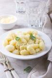 Gnocchi italiano de la patata con queso Foto de archivo