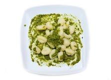 Gnocchi mit Pesto von oben Stockbild