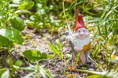 Gnome de jardin Photographie stock libre de droits