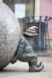 Gnome de Wroclaw Sisyphus image libre de droits