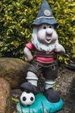 Gnome drôle de jardin un passioné du football de Bayern Munich Photographie stock
