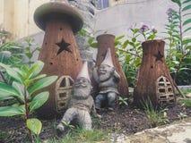 Gnomer och deras hus Fotografering för Bildbyråer