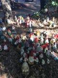 Gnomer visar i Gnomesville Arkivbild