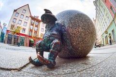 Gnomes en bronze pour des touristes Wroclaw Photographie stock libre de droits