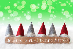 Gnomos, fundo verde, Bokeh, estrelas, Joyeux Noel Means Merry Christmas Fotos de Stock Royalty Free
