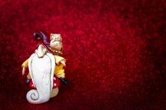 Gnoom met gehuil rode achtergrond royalty-vrije stock fotografie