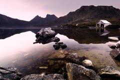 gołąbki jezioro obrazy royalty free