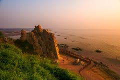 Gołębi gniazdowy wschód słońca zdjęcie stock