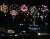 Gończy Śródpolni fajerwerki pokazują, w centrum Phoenix, Arizona Zdjęcia Royalty Free