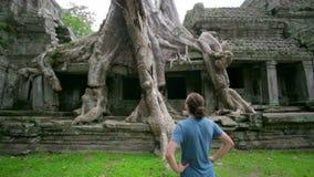 gość bierze obrazkowi dziwaczną naturę preah Khan świątynia, angkor zbiory
