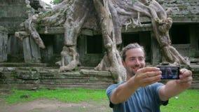 gość bierze obrazkowi dziwaczną naturę preah Khan świątynia, angkor zdjęcie wideo