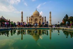 Goście przy Taj Mahal kompleksem na Wrześniu 20, 2015, w Agra, Uttar Pradesh, Fotografia Royalty Free