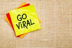 Go viral - sticky note Stock Photos