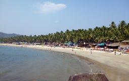 GOA, INDE - 31 JANVIER 2014 : Vacances, vendeuses, caf? sur la plage tropicale Palolem image libre de droits