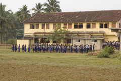 GOA, INDIA, DICEMBRE 2015: Piccoli bambini a scuola in Goa il 7 dicembre Immagini Stock