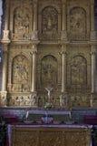 GOA VIEJO, la INDIA - 6 de enero de 2012: Interior de St Catherine Cathedral - altar St Catherine Cathedral (1640) fotografía de archivo libre de regalías